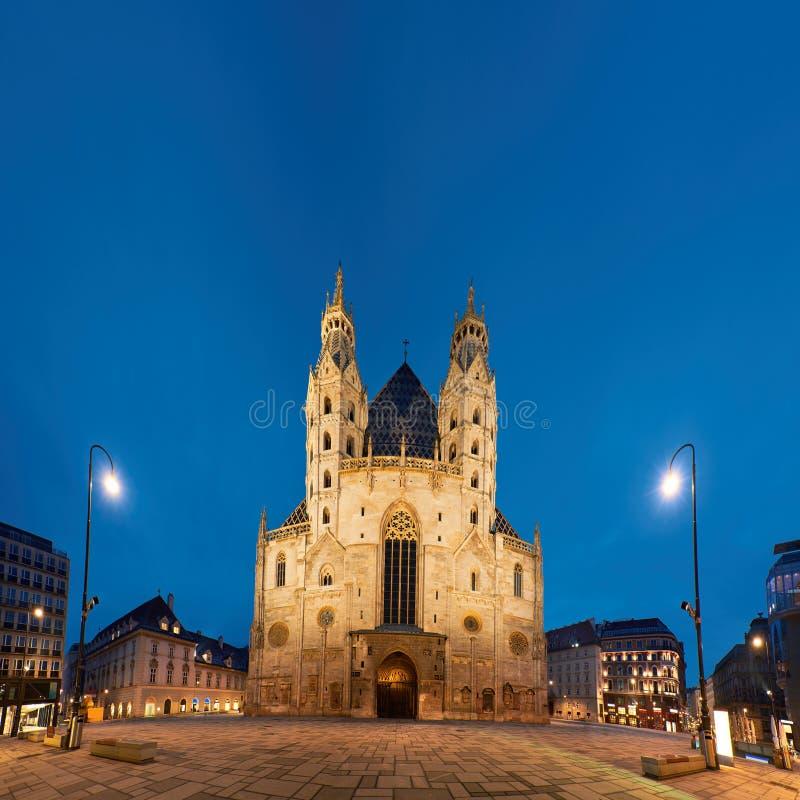 Image panoramique de cathédrale Stephansdom de St Stephan à Vienne photographie stock