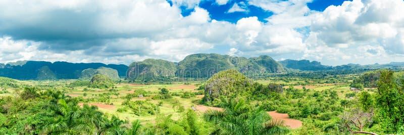 Image panoramique de la vallée de Vinales au Cuba image stock