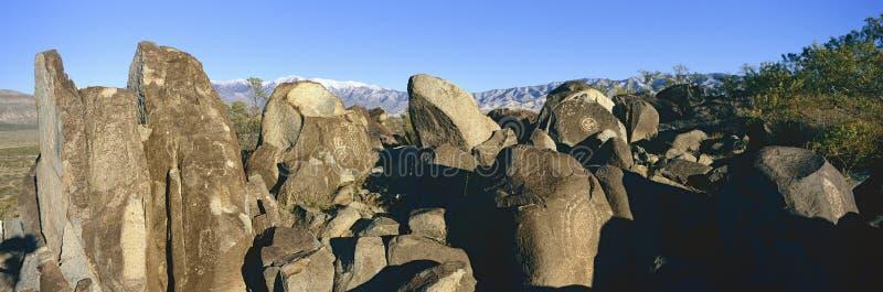 Image panoramique des pétroglyphes au site national de pétroglyphe de trois rivières, bureau d'a (BLM) de site de gestion de terr photo libre de droits