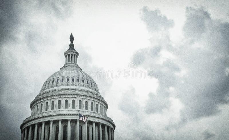 Image texturée du dôme du Capitole des États-Unis, un jour de tempête image libre de droits