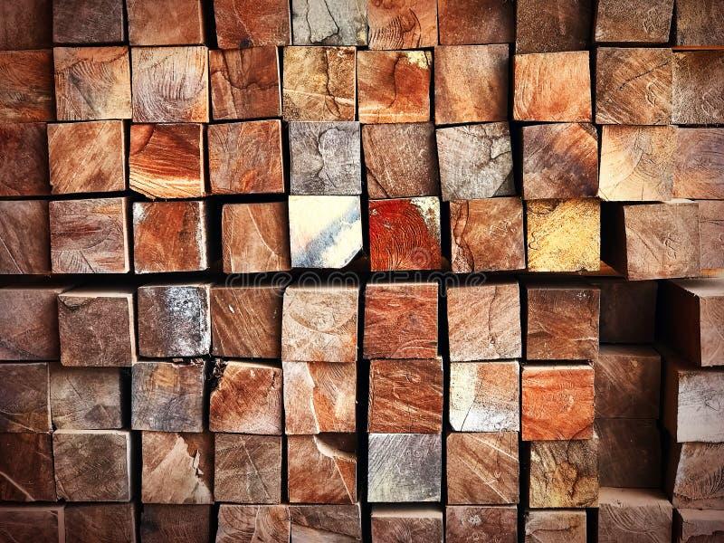 Image texturisée abstraite de bois de construction scié photographie stock libre de droits
