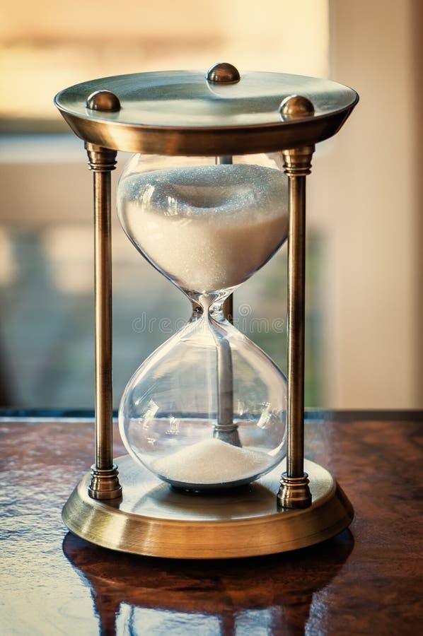 Image tonned par horloge de sable photo stock