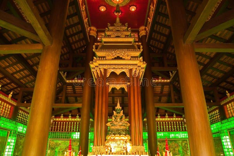 Image verte de Bouddha. photos stock