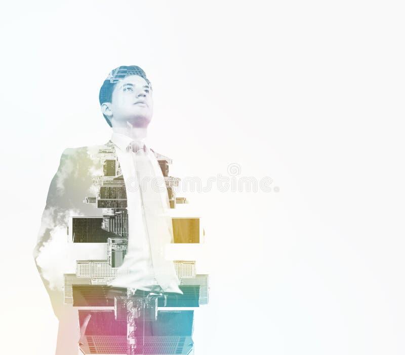 Imagem abstrata das silhuetas do homem de negócios transparente Arquitectura da cidade de New York foto de stock royalty free