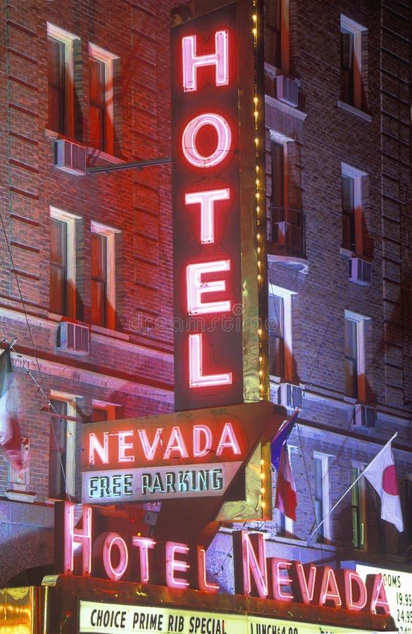 Imagem alterada Digital de um sinal de néon que leia o hotel Nevada do ½ do ¿ do ï - ½ livre do ¿ de Parkingï fotos de stock