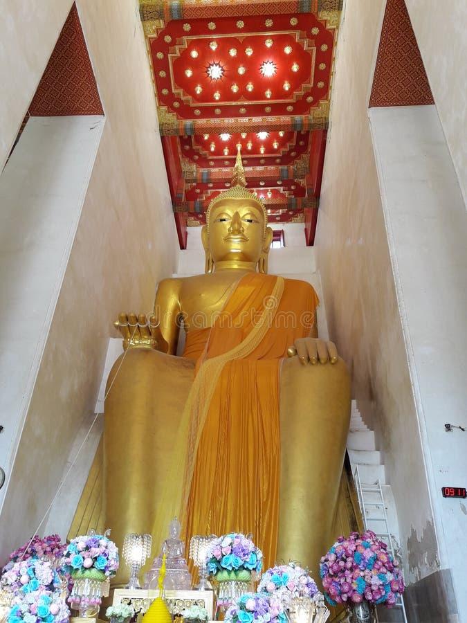 Imagem assentada enorme tailandesa da Buda da estátua A da Buda nomeada & x22; Luang Pho To& x22; imagens de stock