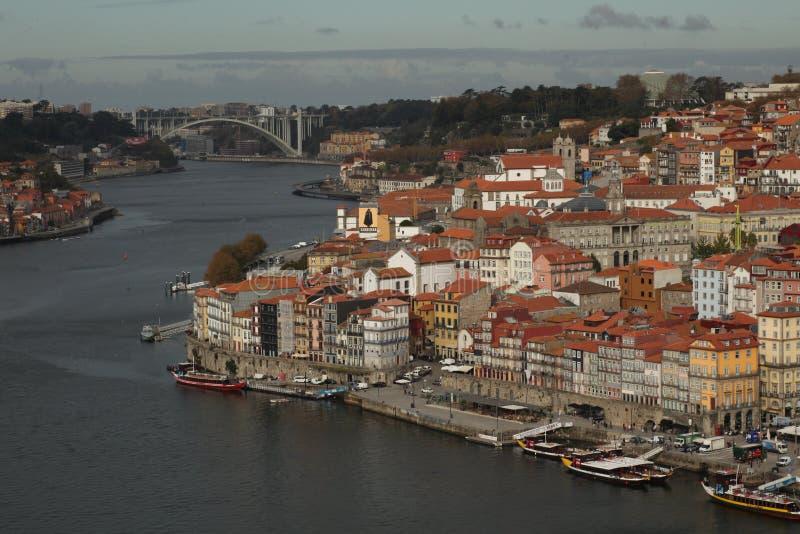 Imagem com um barco no rio Douro A imagem de stock royalty free