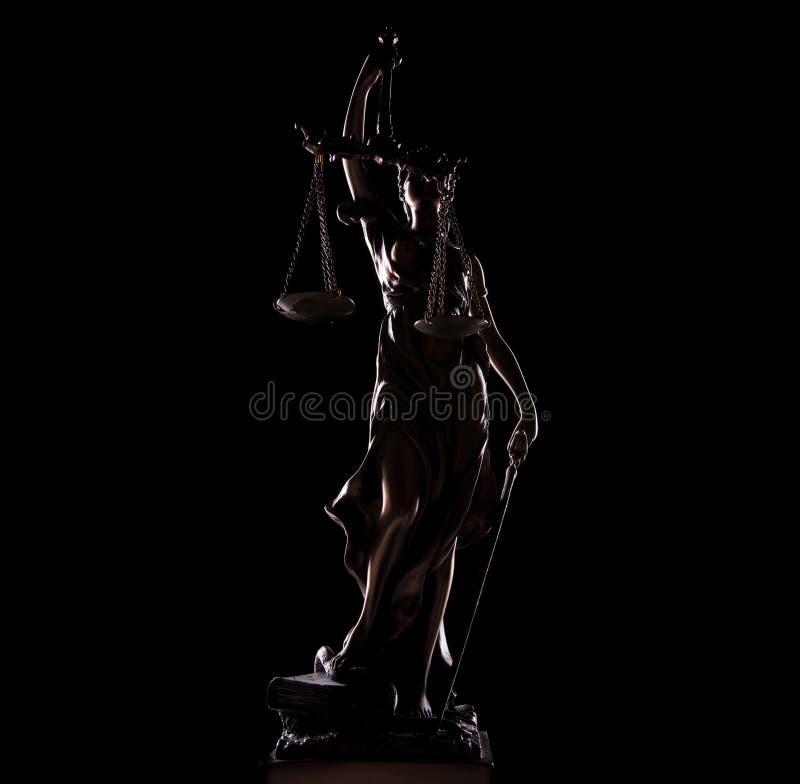 Imagem completa do comprimento da deusa da estátua de justiça fotos de stock