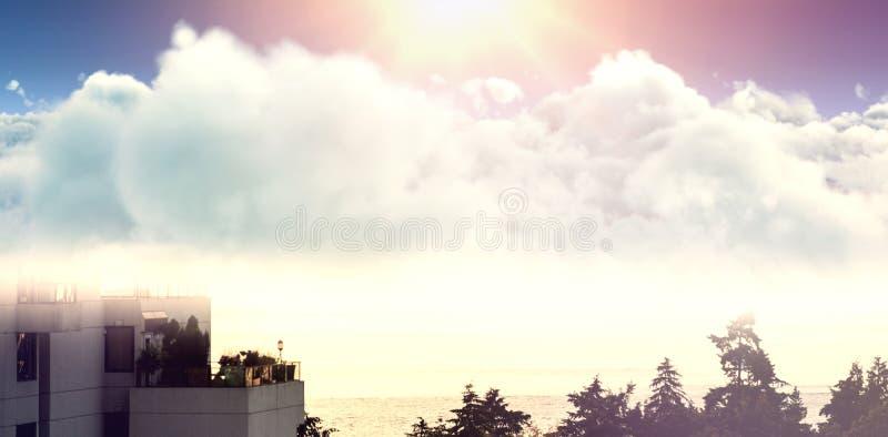 Imagem composta da ideia idílico do cloudscape contra o céu ilustração stock