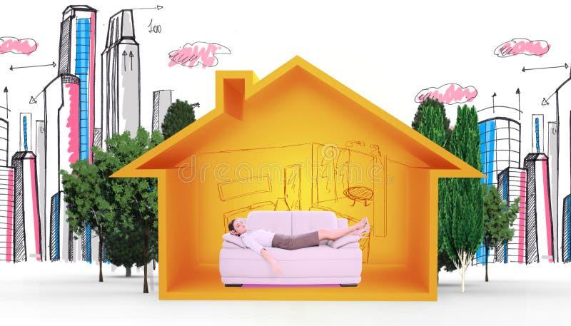 Imagem composta da jovem mulher bem vestido que dorme no sofá ilustração stock