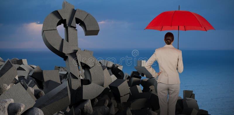Imagem composta da opinião traseira a mulher de negócios que leva o guarda-chuva vermelho fotos de stock