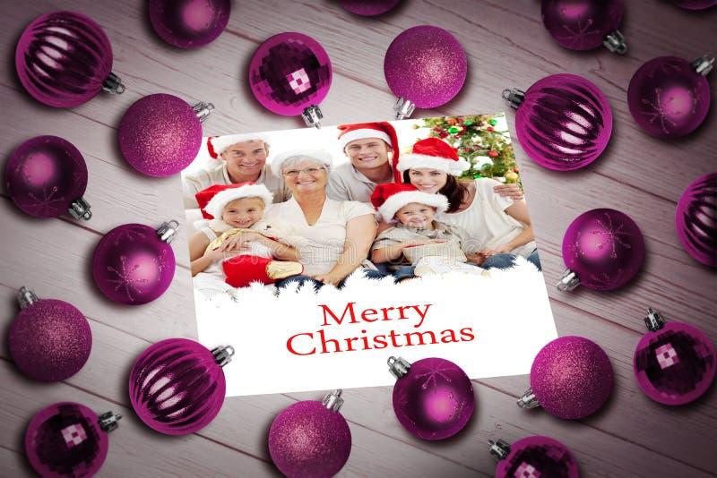 Imagem composta de quinquilharias do Natal na tabela fotos de stock royalty free