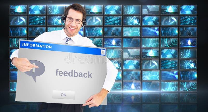 Imagem composta do homem de negócios feliz que mostra o cartão à câmera imagem de stock royalty free
