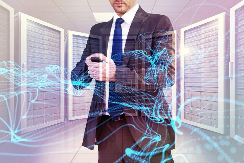Imagem composta do homem de negócios focalizado que texting em seu telefone celular ilustração stock