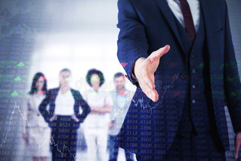 Imagem composta do homem de negócios pronta para agitar a mão fotografia de stock