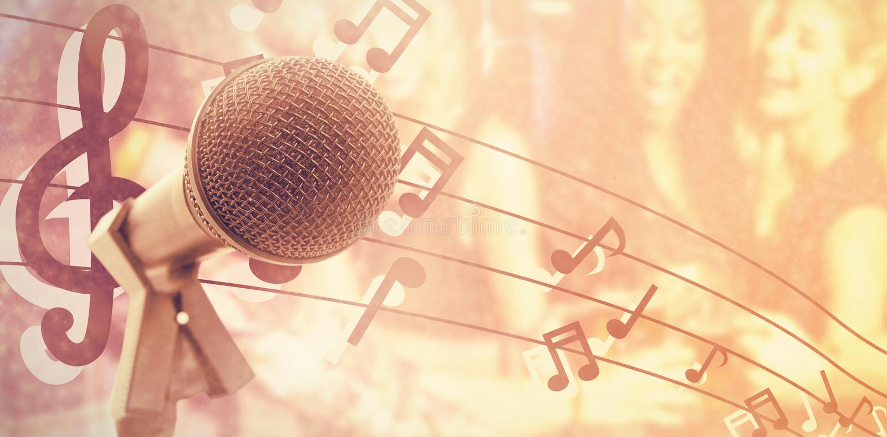 Imagem composta do microfone com suporte imagens de stock royalty free