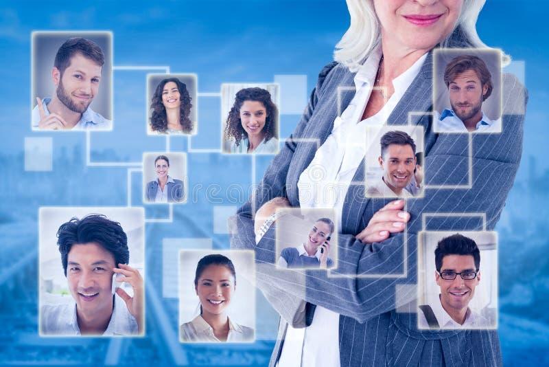A imagem composta dos braços eretos da mulher de negócios cruzou-se no fundo branco foto de stock royalty free