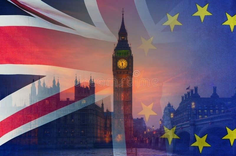Imagem conceptual de BREXIT do ove da imagem de Londres e das bandeiras do Reino Unido e da UE foto de stock