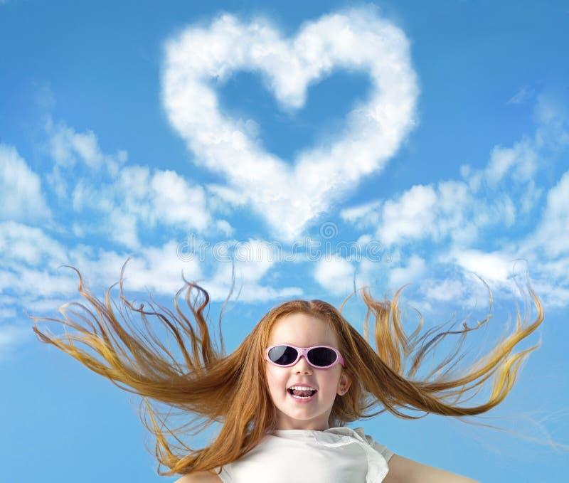 Imagem conceptual de uma menina pequena do gengibre foto de stock royalty free