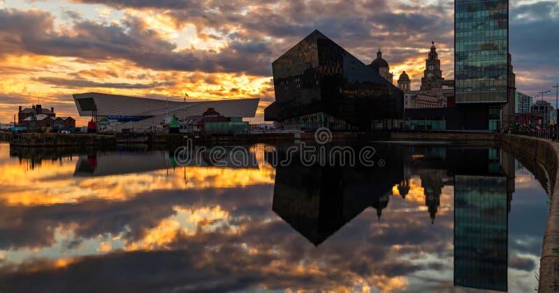 Imagem conservada em estoque da skyline de Liverpool, Reino Unido fotos de stock royalty free