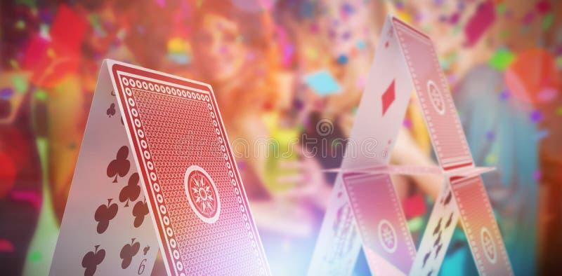 Imagem 3d composta do grupo de amigos que têm o vidro do cocktail na barra fotografia de stock royalty free