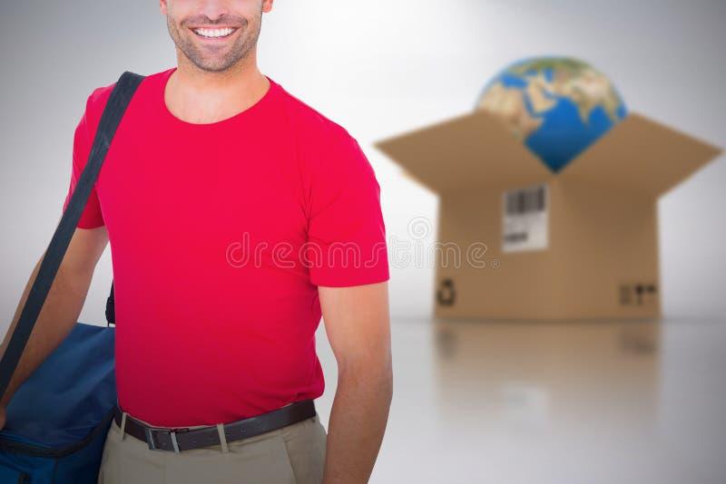 Imagem 3d composta do homem de entrega da pizza que guarda o saco foto de stock