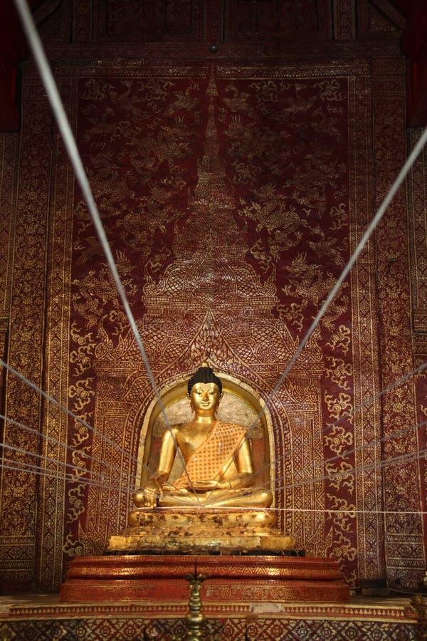 Imagem da Buda de Phra Singha fotografia de stock royalty free