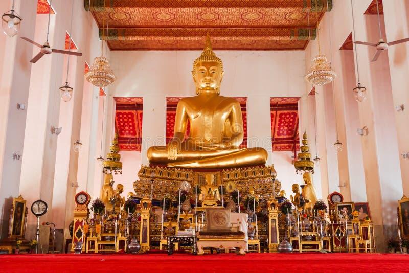 Imagem da estátua da Buda no templo de Wat Pho Banguecoque, Tailândia imagens de stock royalty free