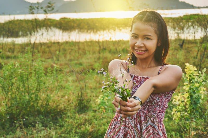 Imagem da mulher bonita asiática fotografia de stock royalty free