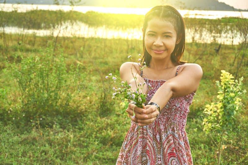 Imagem da mulher bonita asiática imagem de stock royalty free
