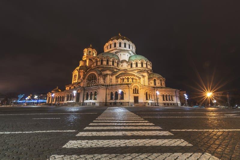 Imagem da noite de St Alexander Nevsky Cathedral em Sófia, Bulgária Uma das catedrais e da igreja Ortodoxa Orientais as maiores foto de stock