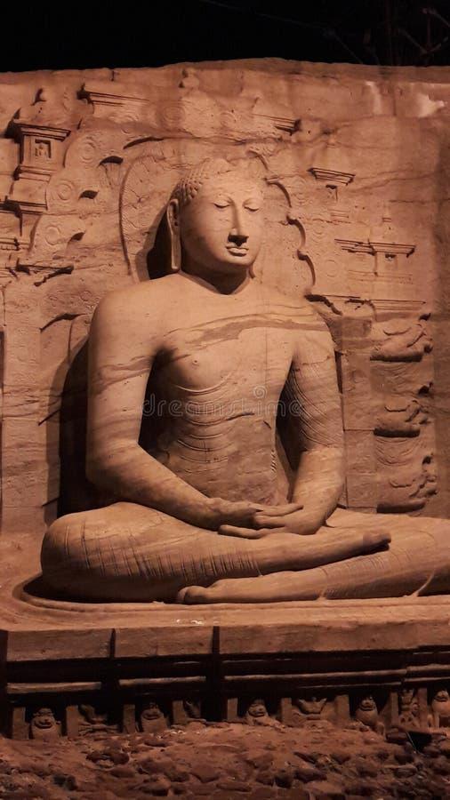 Imagem da noite no galviharaya do polonnaruwa imagens de stock