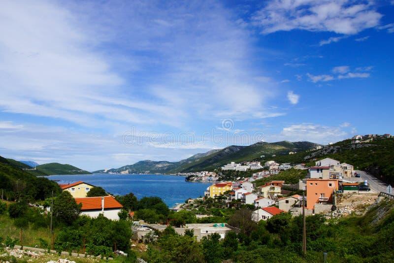 Imagem da paisagem da cidade do beira-mar em Bósnia imagens de stock royalty free
