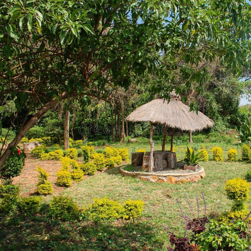 Imagem da paisagem de um espaço tradicional do jardim fotografia de stock royalty free