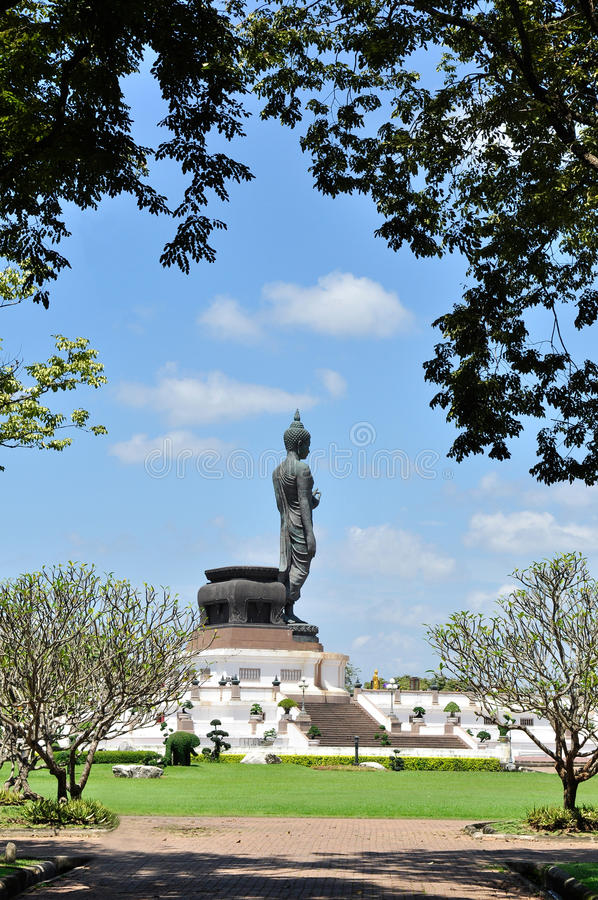 Imagem de Buddha em Phutthamonthon foto de stock royalty free