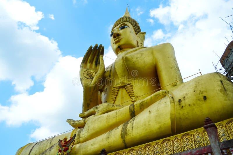 Imagem de buddha em tailandês fotos de stock royalty free
