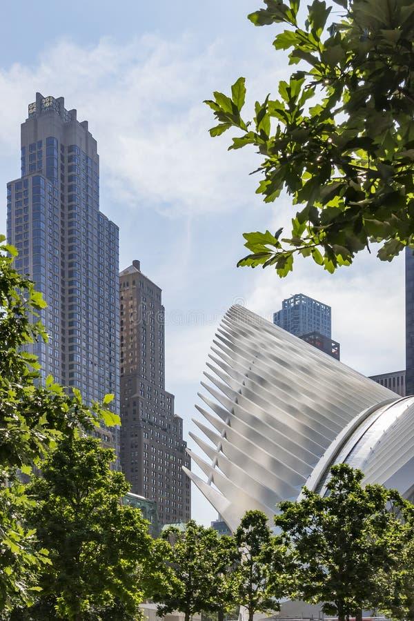Imagem de dois World Trade Center e estações de metro Phoenix em New York, Estados Unidos fotos de stock royalty free