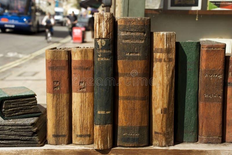 Imagem de livros antigos em Oxford, reino unido imagem de stock