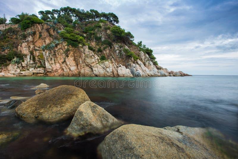 Download Opinião bonita do mar imagem de stock. Imagem de cloudy - 29832159