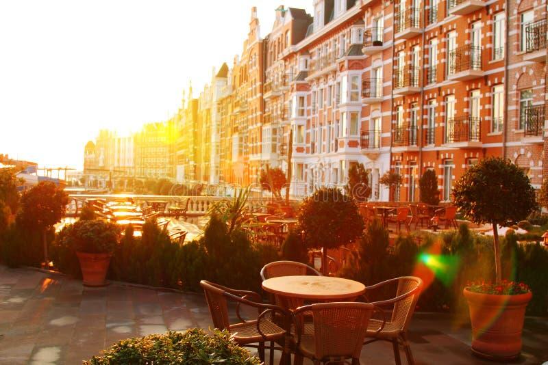 Imagem do amanhecer do café da rua fotos de stock royalty free