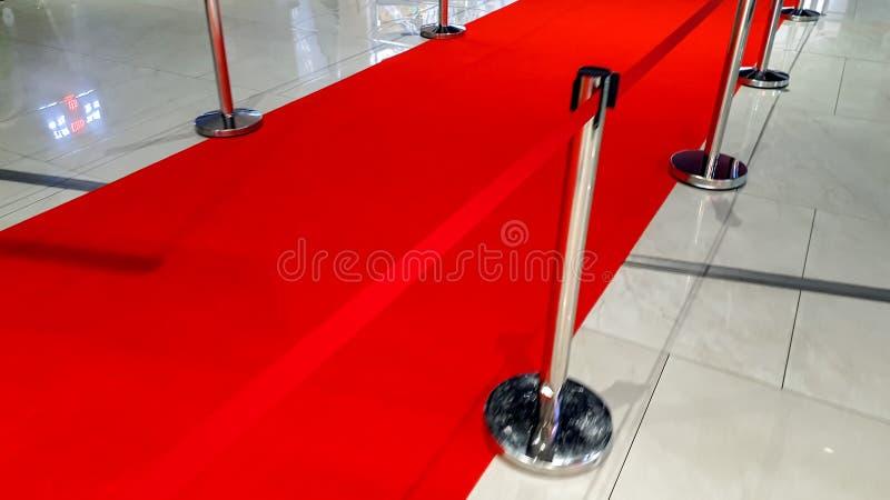 Imagem do close up da estrada e das barreiras do tapete vermelho na abertura da mostra da concess?o da gala da celebridade imagem de stock