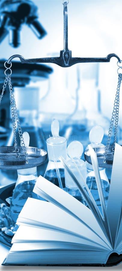 Imagem do close-up do equipamento microbiológico e médico imagens de stock