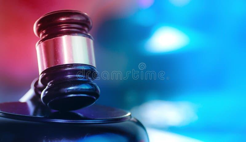 Imagem do conceito da justiça penal da lei e da ordem imagem de stock