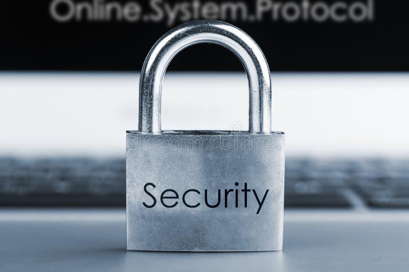 Imagem do conceito da segurança informática imagens de stock royalty free
