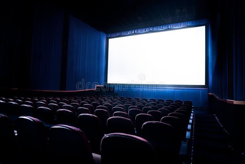 Imagem do contraste alto da tela do cinema foto de stock