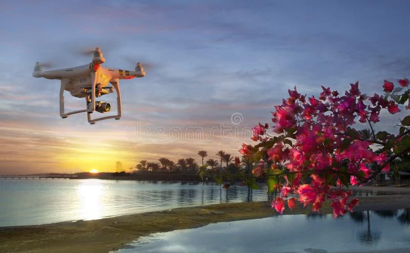 A imagem do Dji inspira 1 quadcopte do UAV do zangão imagens de stock