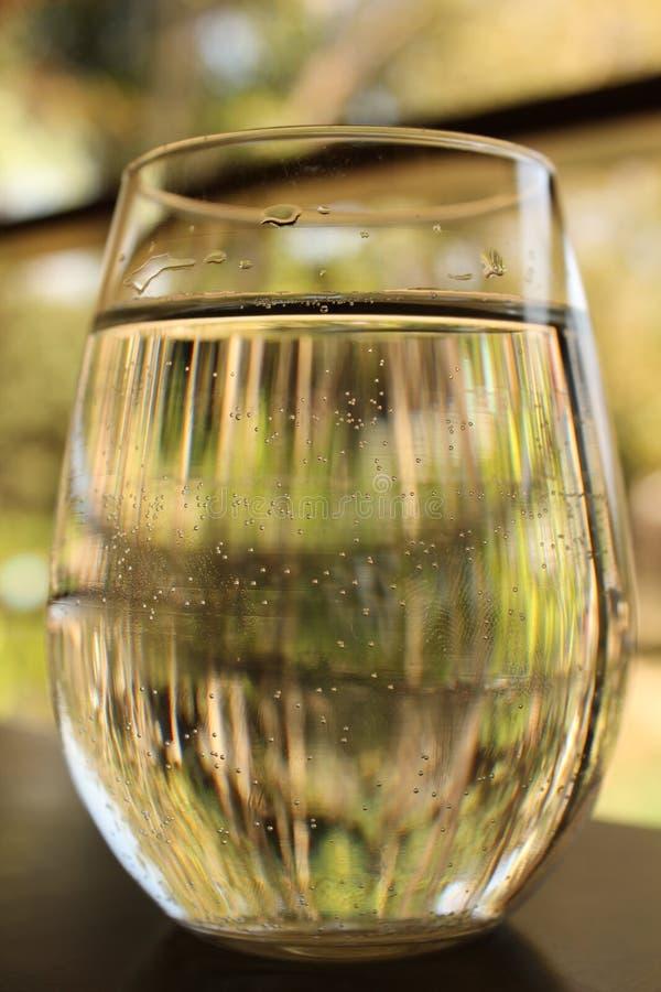 Download Vidro da água imagem de stock. Imagem de limpo, bebida - 29848423