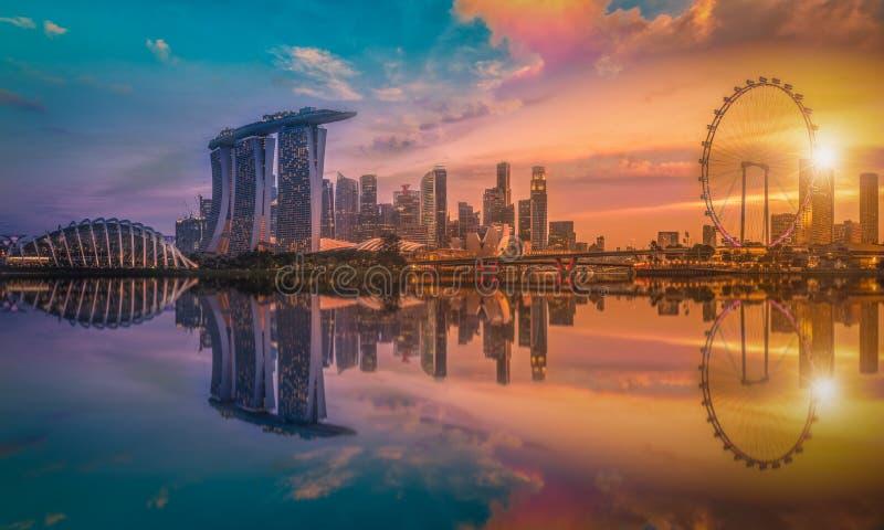 Imagem do panorama da skyline de Singapura e vista dos arranha-céus em M fotos de stock royalty free