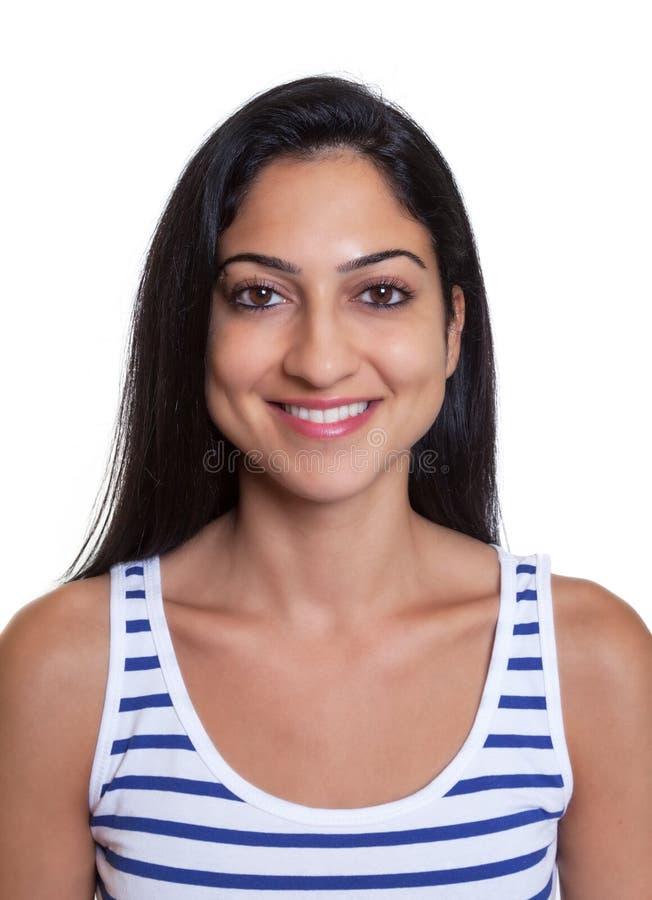 Imagem do passaporte de uma mulher turca de riso em uma camisa listrada foto de stock