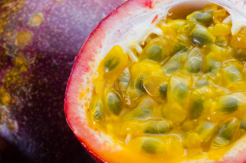 Imagem do passionfruit do close up fotografia de stock royalty free